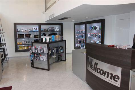 arredo negozio arredamento su misura negozio di informatica wellcome
