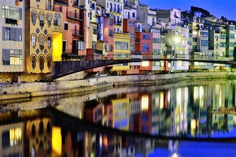 barcelona girona a traveller s guide to girona