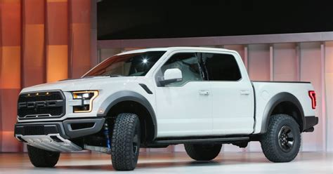 Ford Stock Forecast 2020 by Ford Will A 300 Mile Range Electric Suv By 2020