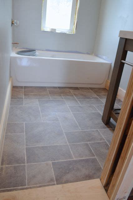 bathroom flooring ideas vinyl best 25 vinyl flooring bathroom ideas on pinterest