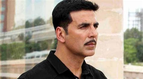 midlle path hair style akshay kumar toilet ek prem katha actor akshay kumar speaks about the