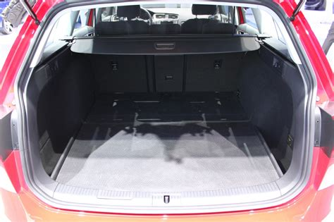 volkswagen golf trunk 2017 volkswagen golf sportwagen alltrack trunk capacity