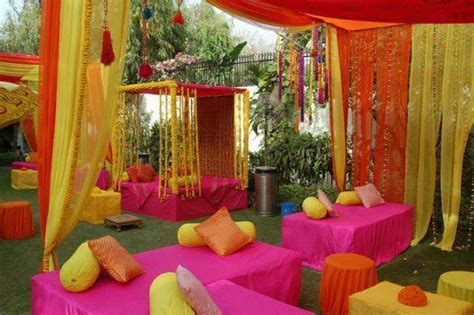 TIPS TO MAKE A MEHNDI MORE FUN http://www.shaditayari.pk