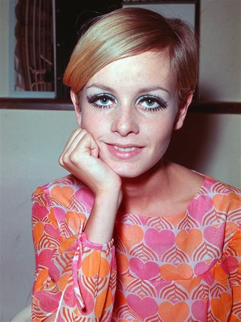 twiggyhairstyles for straight hair 1960s hairstyles through the ages from the 1920s to now heart