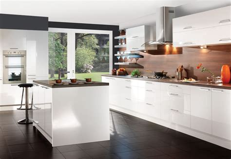 contemporary white kitchen cabinets howdens gloss 8 unit kitchen supplied and fitted 163 3 800 00