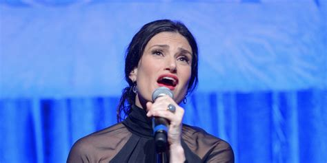 idina menzel won t just wake up and sing let it go at
