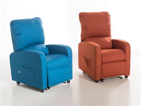 poltrone reclinabili per disabili poltrone reclinabili alzapersona per anziani