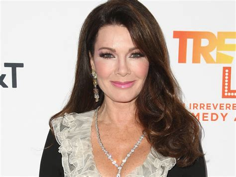 hairstyles of beverly hills housewife lisa vanderpump hairstyle hairstyles by unixcode