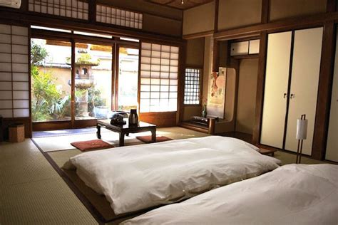 Traditional Japanese Bedroom | see the future in ancient japanese architecture lifeedited