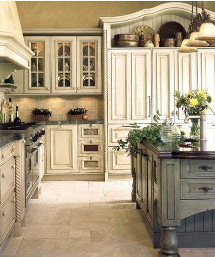 are cream colored cabinets out decosee com best 25 cream colored kitchen cabinets ideas on pinterest