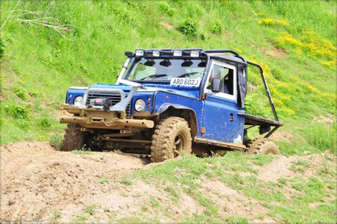 Stiker Mobil Defender 90 Pernik Offroad 4x4 avon dassett 4x4 road land rover defender 90 traybac flickr
