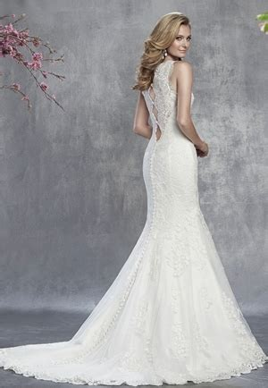 wedding gowns for woman in their forites wedding dress tips for brides in their forties