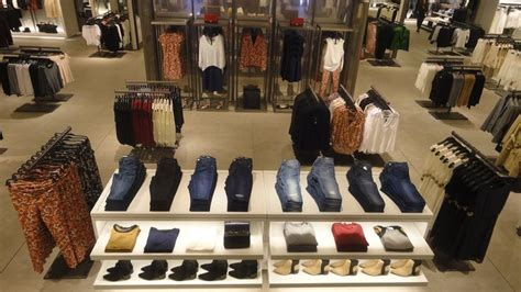 layout of zara 1000 images about store visual merchandaising on