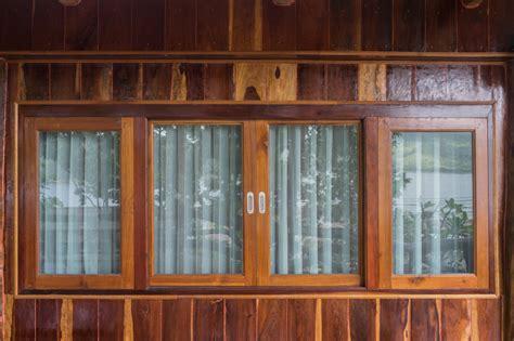 Fensterrahmen Lackieren Kosten by Fensterrahmen Versiegeln 187 Diese M 246 Glichkeiten Haben Sie