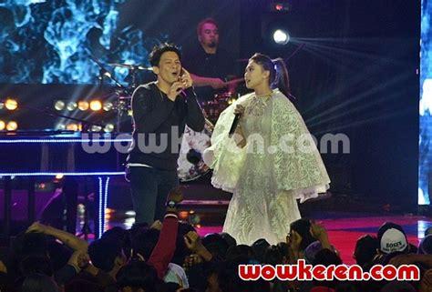 tetap dalm jiwa 01 58 foto ariel duet dengan isyana sarasvati bawakan lagu
