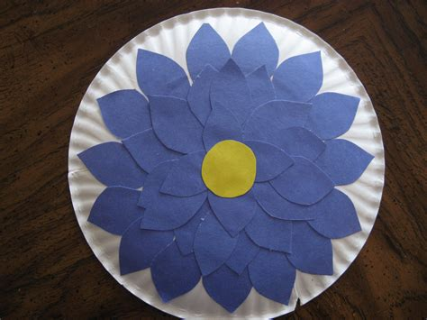 Flowers With Paper Plates - crafts kiddie crafts 365 page 14
