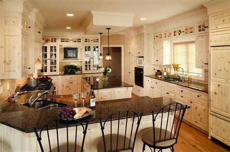 white washed pine cabinets 25 best ideas about knotty pine kitchen on