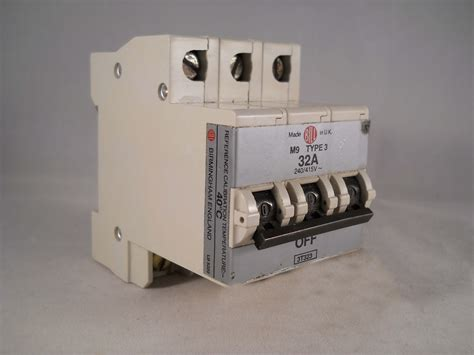 Mcb 32 A 3 Phase bill mcb 32 type 3 m9 pole 3 phase 32a