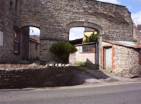archway leading to ashleigh house paulton information