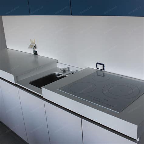 lavello a scomparsa cucina su misura bassa con lavello a scomparsa