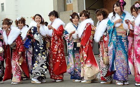 does japan follow the new year kimono teaching otaku