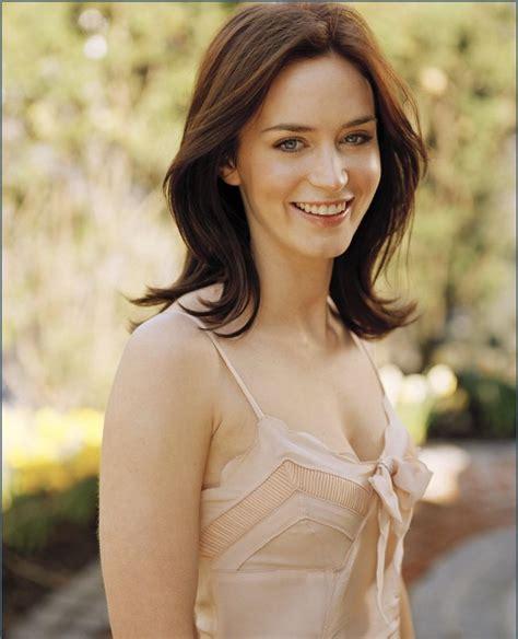 actress emily blunt emily blunt cute british actress