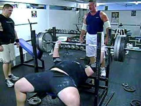 drake bench press nose tackle tom drake bench press 405lbs avi youtube