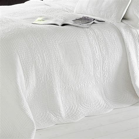 Cotton Quilted Bedspread White Quilted Cotton Bedspread By Marquis Dawe