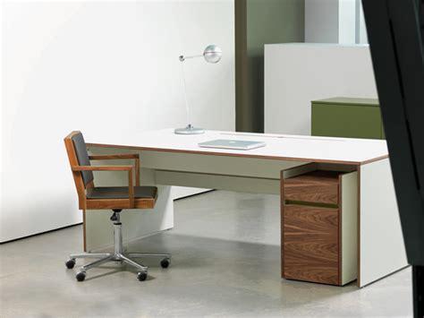Ros Help Desk by Os F W Ei Desk Individual Desks From Oliver Conrad