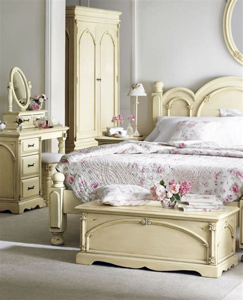 Modern Chic Bedroom Decorating Ideas by 20 Awesome Shabby Chic Bedroom Furniture Ideas Decoholic