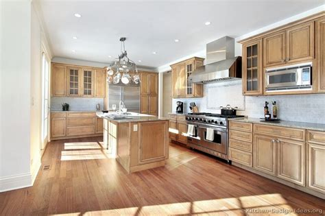 Virtual Interior Home Design by Pictures Of Kitchens Traditional Light Wood Kitchen