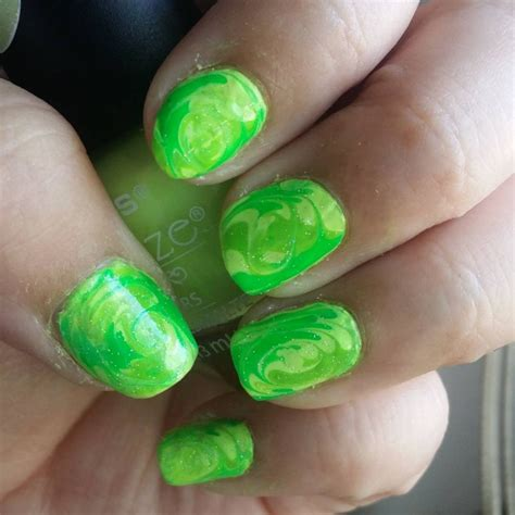 Marble Swirl Nail