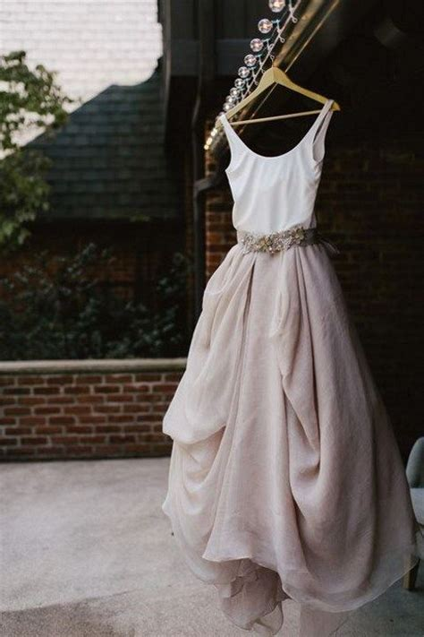 47 effortlessly chic backyard wedding dresses happywedd