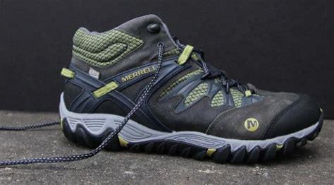 Sepatu Merk Keen 6 sepatu trekking yang bikin penilanmu makin gaya