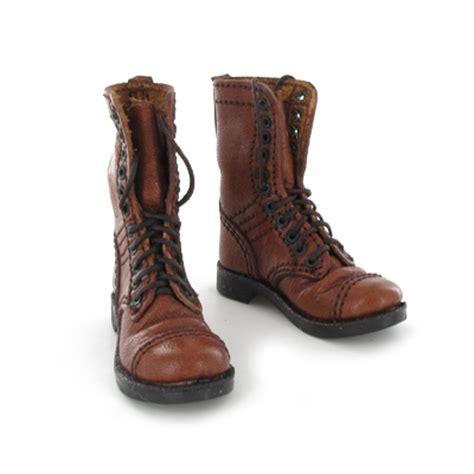 brown corcoran jump boots newline miniatures machinegun