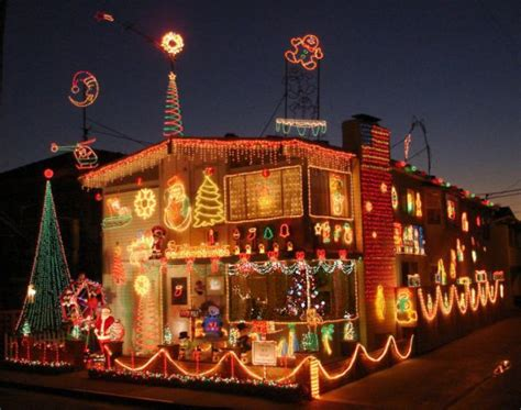 how to decorate your house for christmas how to decorate your house with christmas lights