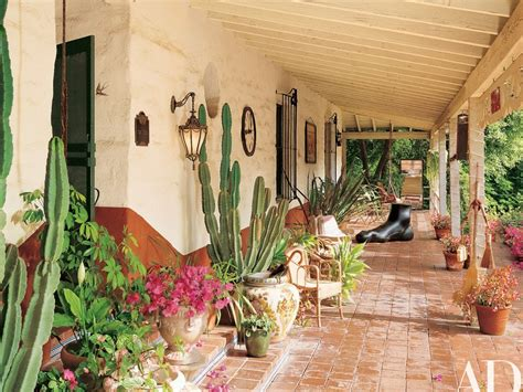 carrie fisher s home take a look inside carrie fisher s spanish style residence