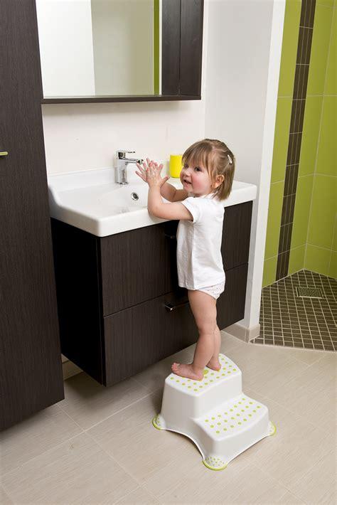 was ist ein schemel safety 1st 2 stufen schemel kaufen bei kidsroom