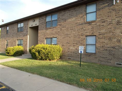1 Bedroom Apartments In Springfield Mo by 815 N Cedarbrook Ave Springfield Mo 65802 Rentals Springfield Mo Apartments