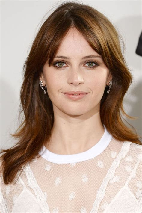 celebrities with auburn hair and are young the 25 best ideas about felicity jones hair on pinterest