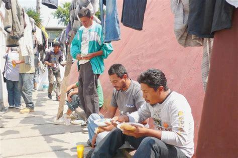 b00oow1o46 l impasse mexicaine une mission de la 171 casa del migrante 187 un havre 224 mexico la croix