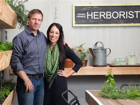 most recent fixer upper facts about what it s like being on hgtv s fixer upper