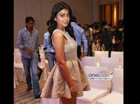 Shriya Saran Wardrobe photos shriya saran narrowly escapes wardrobe filmibeat