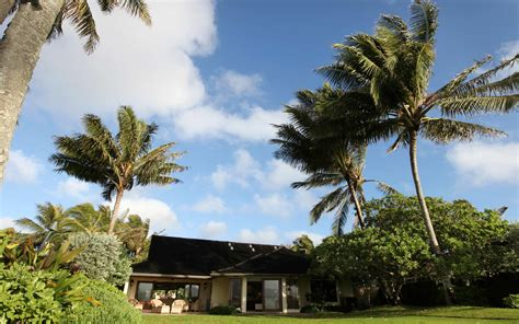 obamas house in hawaii vacation like the president at obama s hawaii vacation home travel leisure