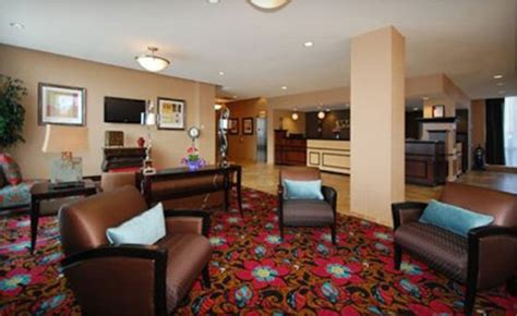 comfort suites downtown buffalo wagjag shop until you drop with this buffalo getaway