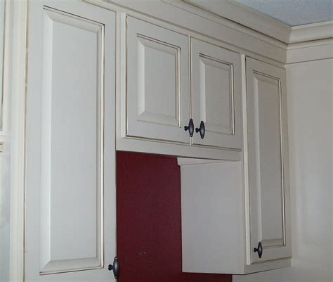 Adding Trim To Cabinet Doors Lwi Custom Cabinets Glazed Cabinets The Newest Way