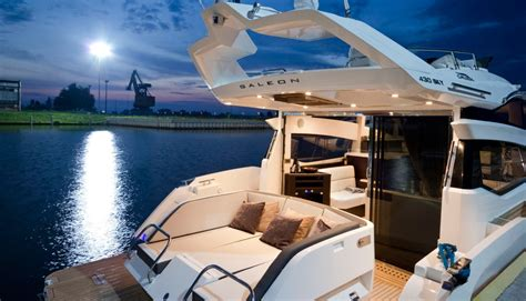 boating accident below deck 4 sun tracker pontoon boats compared chaparral 227 ssx