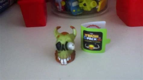 how to start a cruddy trash pack cruddy cow skull review youtube