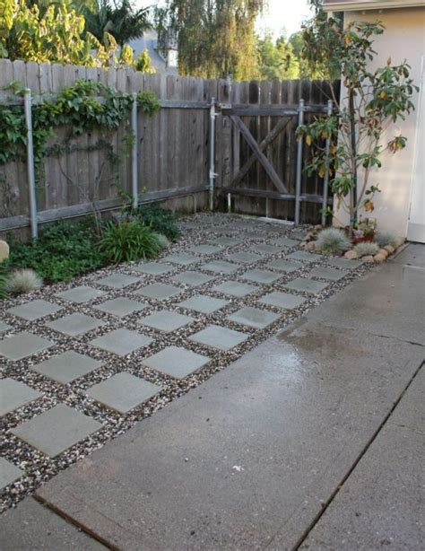 Dirt Backyard Ideas by 25 Best Ideas About No Grass Backyard On No Mow Grass No Grass Landscaping And No