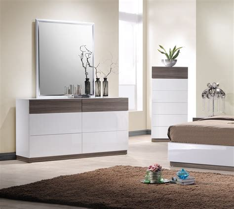 jm sanremo  bedroom set   tone finish